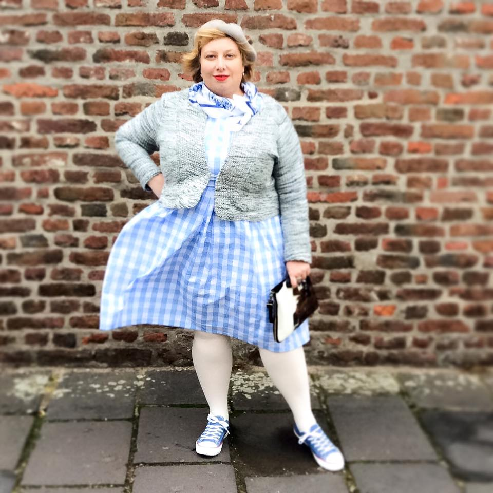 Miss Kittenheel |vintage |plus size | style |Delft |Holland |Gingham