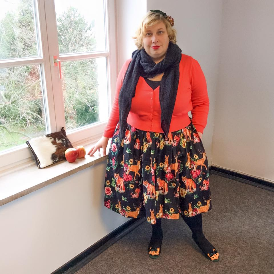 Miss Kittenheel vintage plussize style Hermeline deer skirt