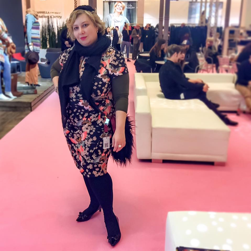 Miss Kittenheel MBFW16 Curvy FashionWeek Berlin 2016 AnnaScholz Sheego KimonoDress