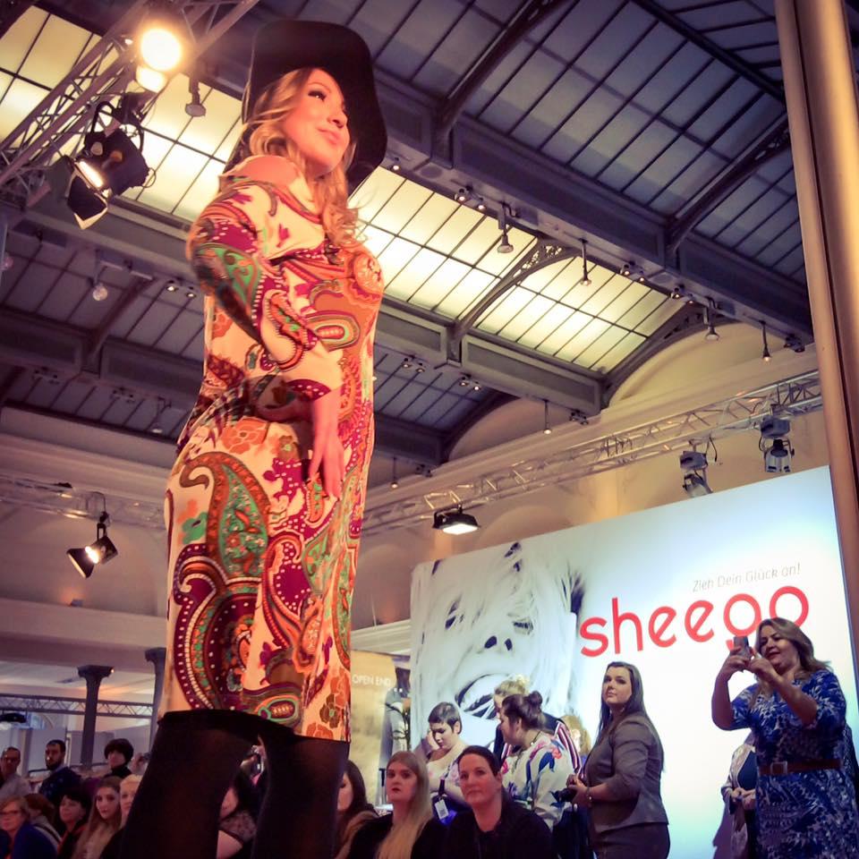 Miss Kittenheel MBFW16 Curvy FashionWeek Berlin 2016 runway show AnnaScholz Sheego