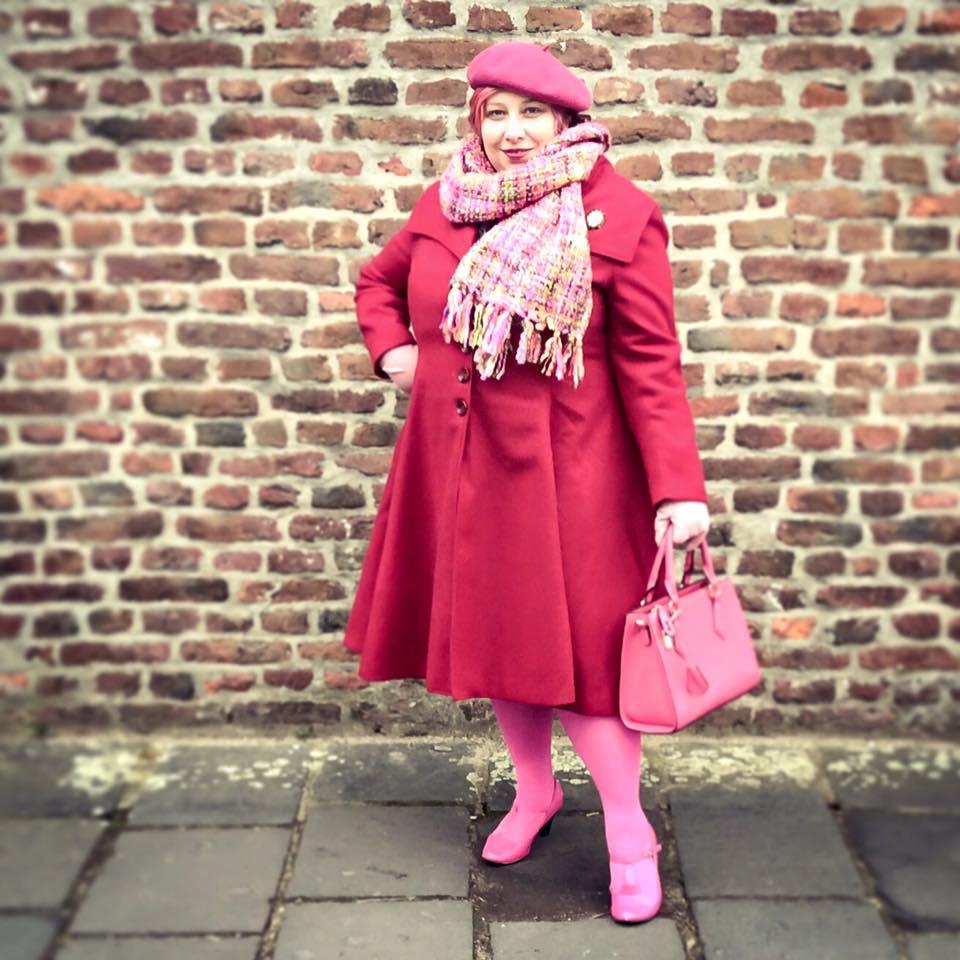 misskittenheel-vintage-curvy-plussize-pink-hair-pinklady-04