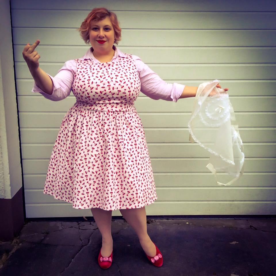 misskittenheel vintage curvy plussize  feminist 50s 01