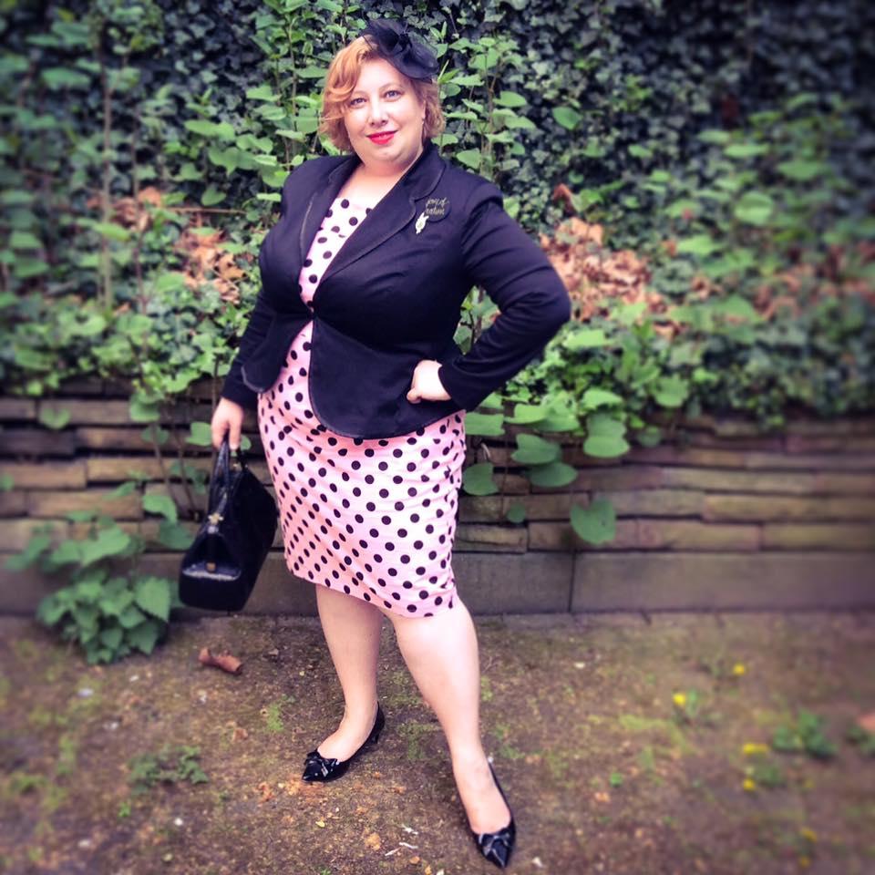 misskittenheel vintage curvy plussize pink polkadots 03