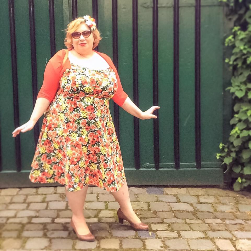 misskittenheel vintage plussize pinup modejahr2016 sommerfarben fascinator fruit 05