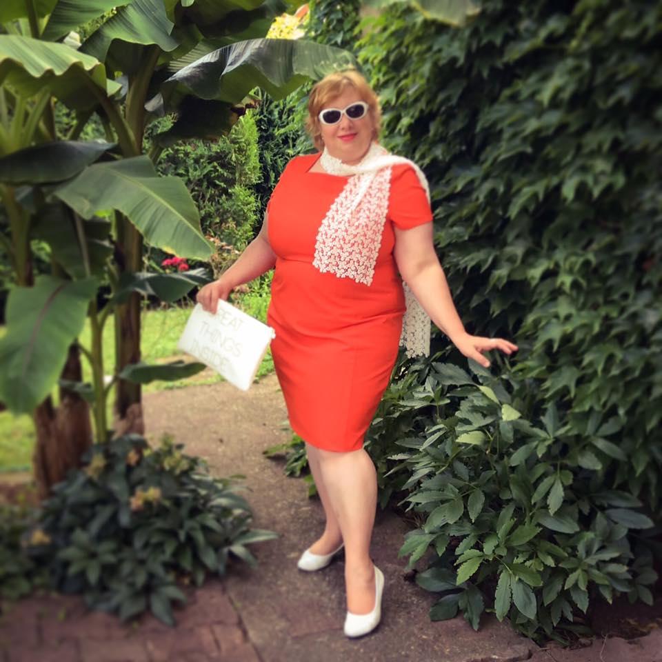 misskittenheel frenchcurves minimalisme orange shiftdress 01