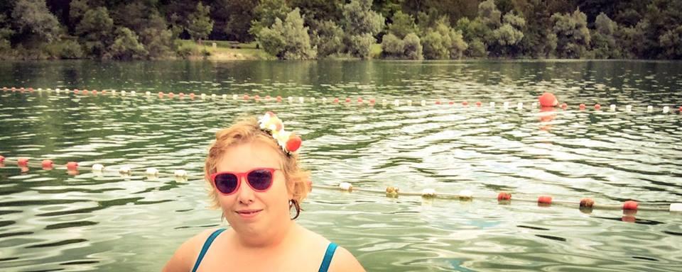 misskittenheel frenchcurves pool side maillot swim lake beach lido 04