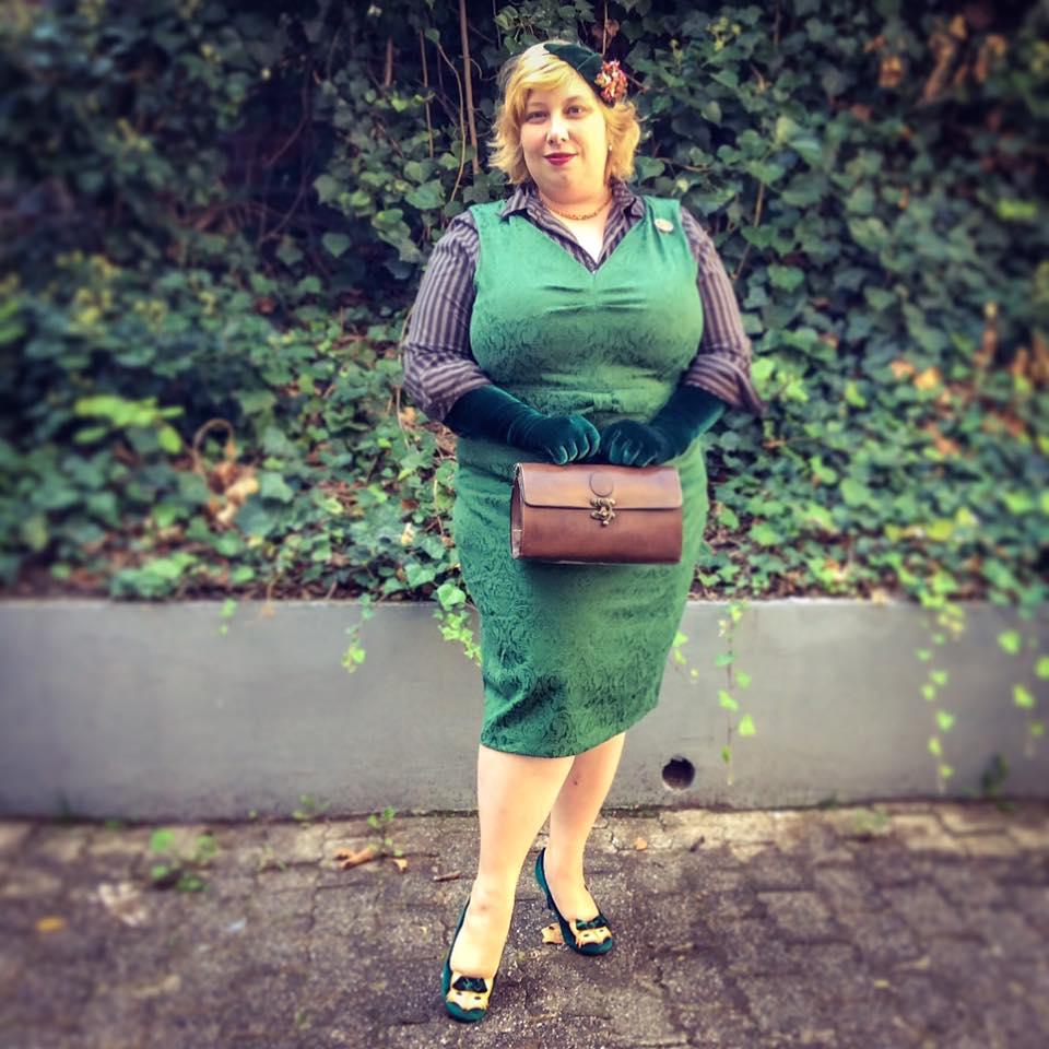 misskittenheel-vintage-plussize-lindybop-jekyll-green-jaquard-tuk-fox-heels-06