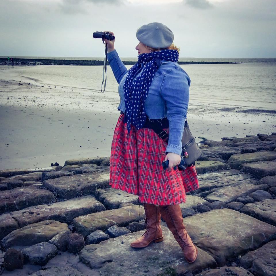 misskittenheel-vintage-plussize-dolly-dotty-tartan-anna-stewart-navy-marine-autumn-06