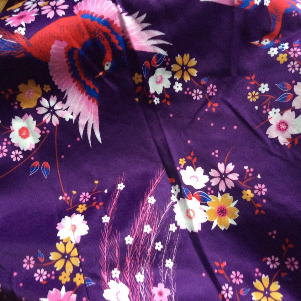 misskittenheel-vintage-plussize-lindybop-trenchcoat-florence-purple-peacocks-08