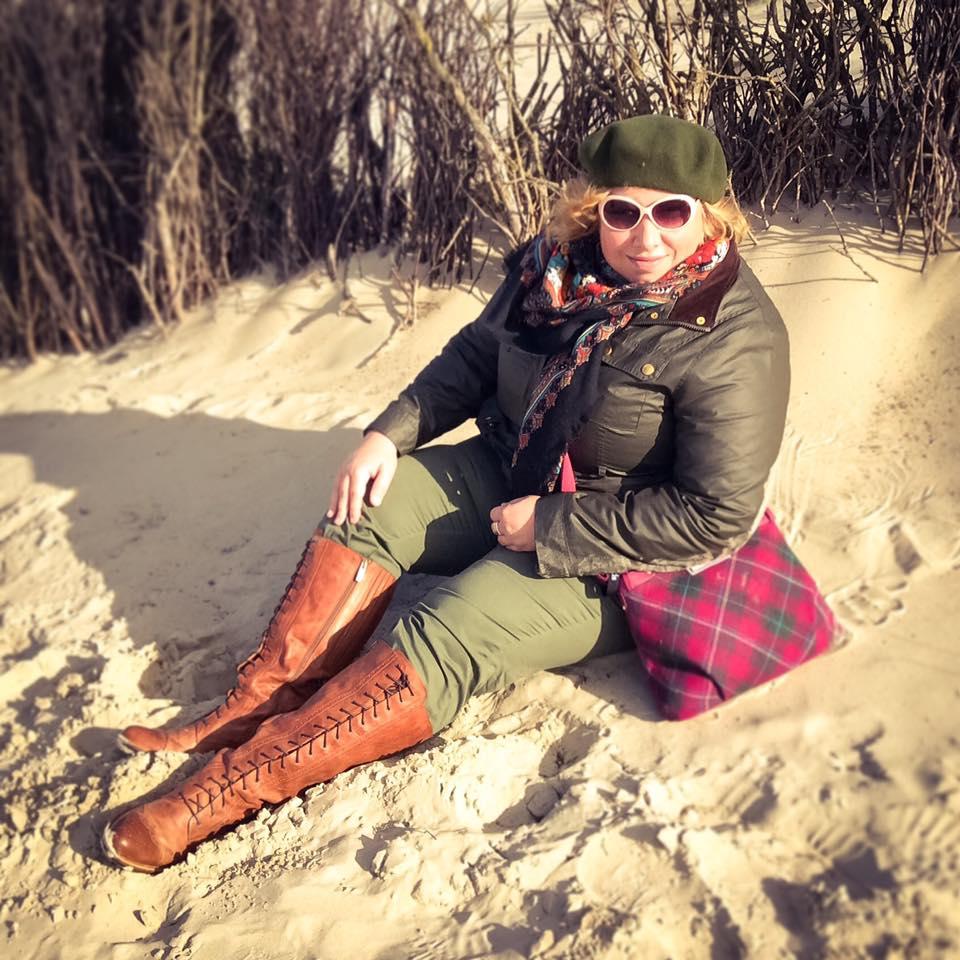 misskittenheel-vintage-plussize-tedandmuffy-ted-muffy-marvel-boots-adventure-retro-borkum-01