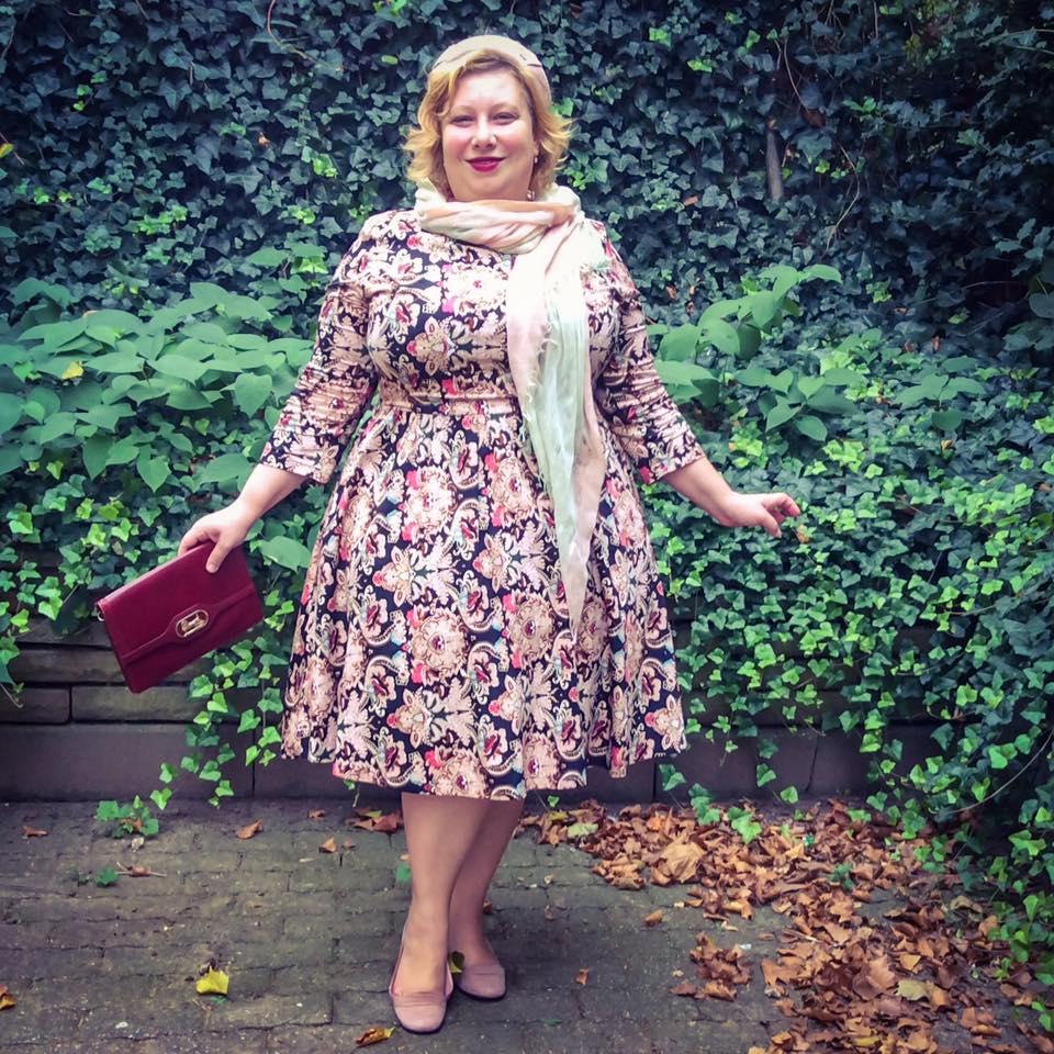 misskittenheel-vintage-plussize-vintage-lindybop-holly-tapestry-fraeuleinanders-modejahr2016-06