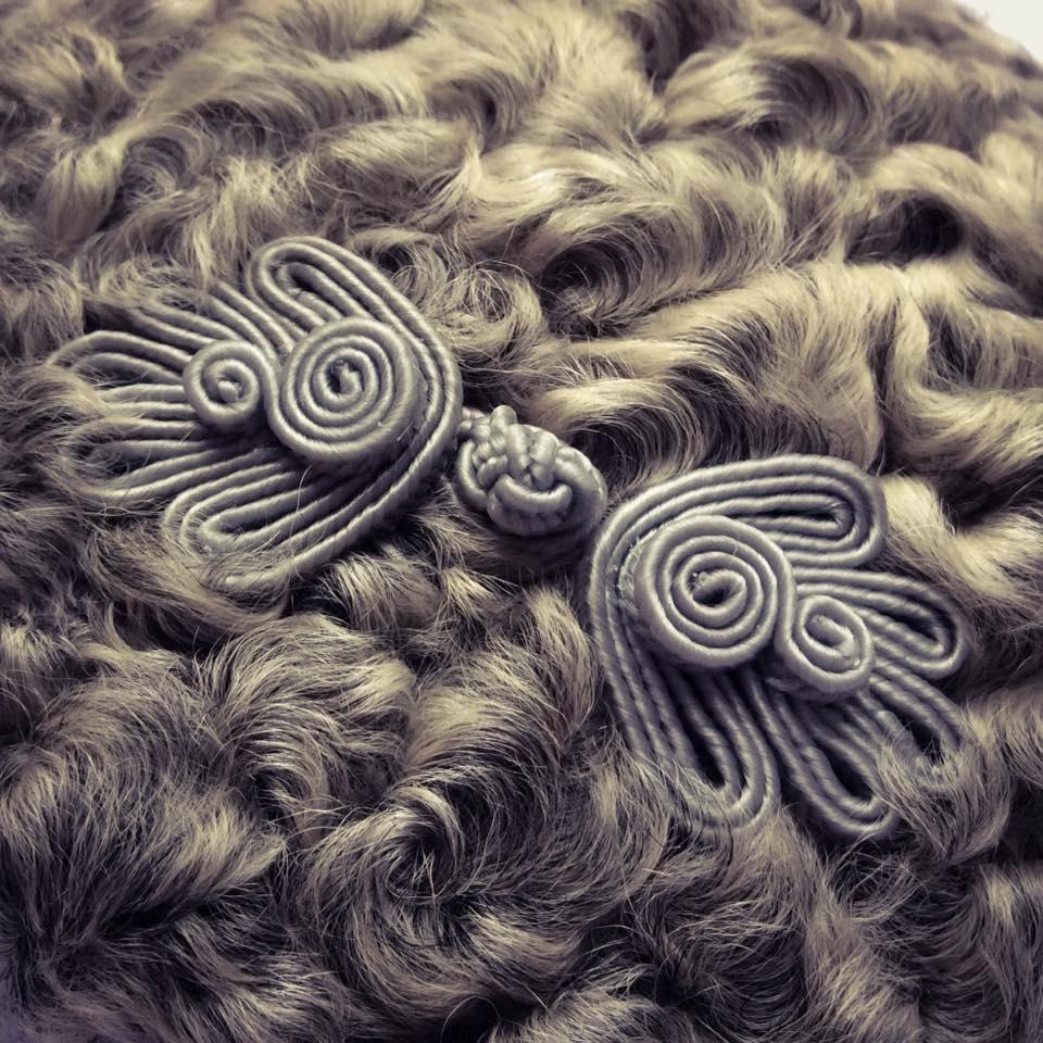 misskittenheel-vintage-plussize-diyyourcloset-guiltydressing-fur-fascinator-hat-persian-lamb-atrakhan-03