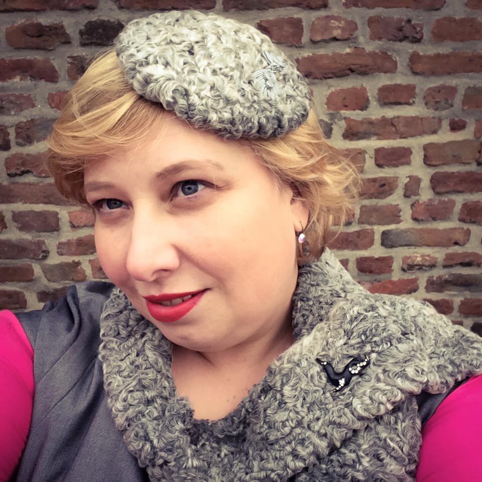 misskittenheel-vintage-plussize-diyyourcloset-guiltydressing-fur-fascinator-hat-persian-lamb-atrakhan-04
