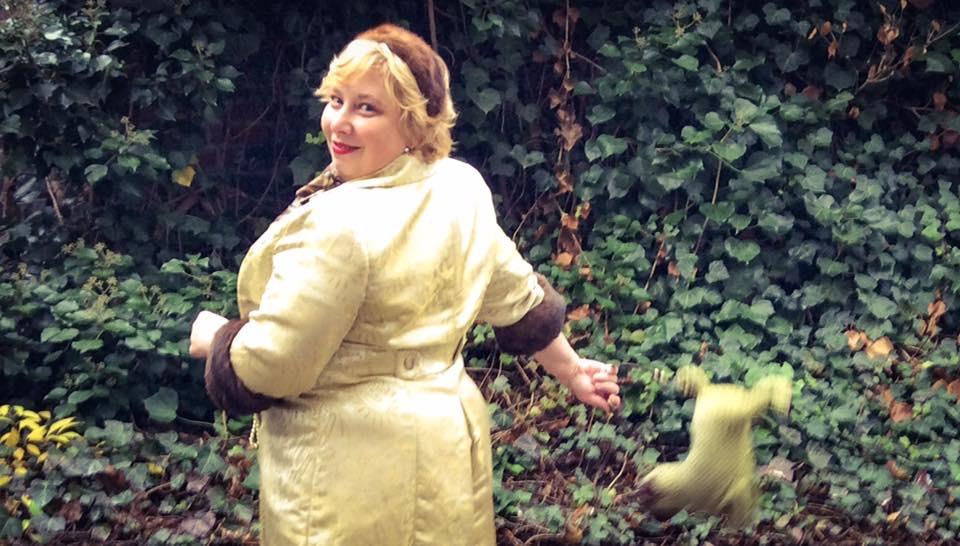 misskittenheel-vintage-plussize-lanebryant-gold-brocade-coat-50s-fur-cuffs-06