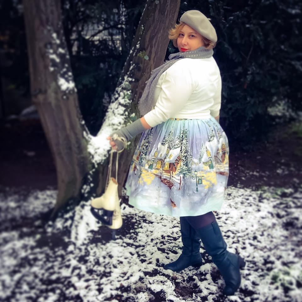 misskittenheel-vintage-plussize-pinup-berniedexter-winterwonderland-dress-snow-christmas-noveltyprint-04
